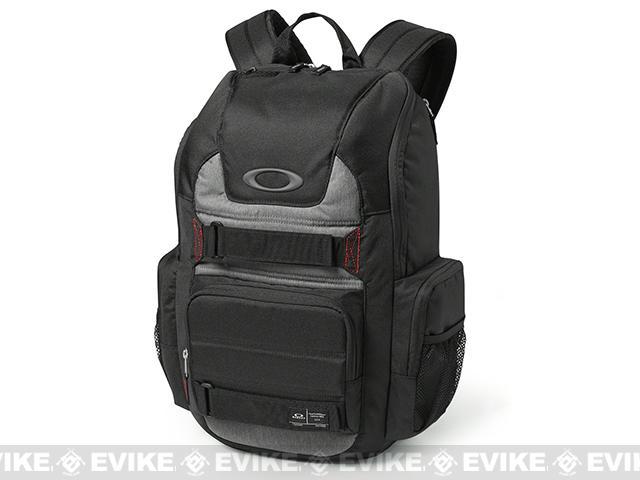 Oakley Enduro 25 Liter Backpack - Jet Black