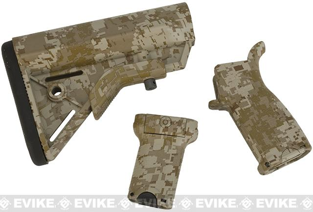 Dytac Furniture Kit w/ Short Grip for M4 and M16 Airsoft AEG Rifles (Color: Digital Desert)