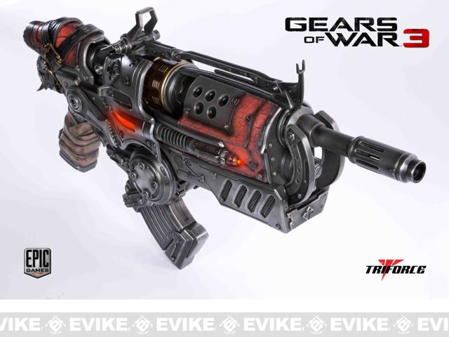 TriForce Limited Edition Gears of War 3: Locust Hammerburst II Full Scale Replica