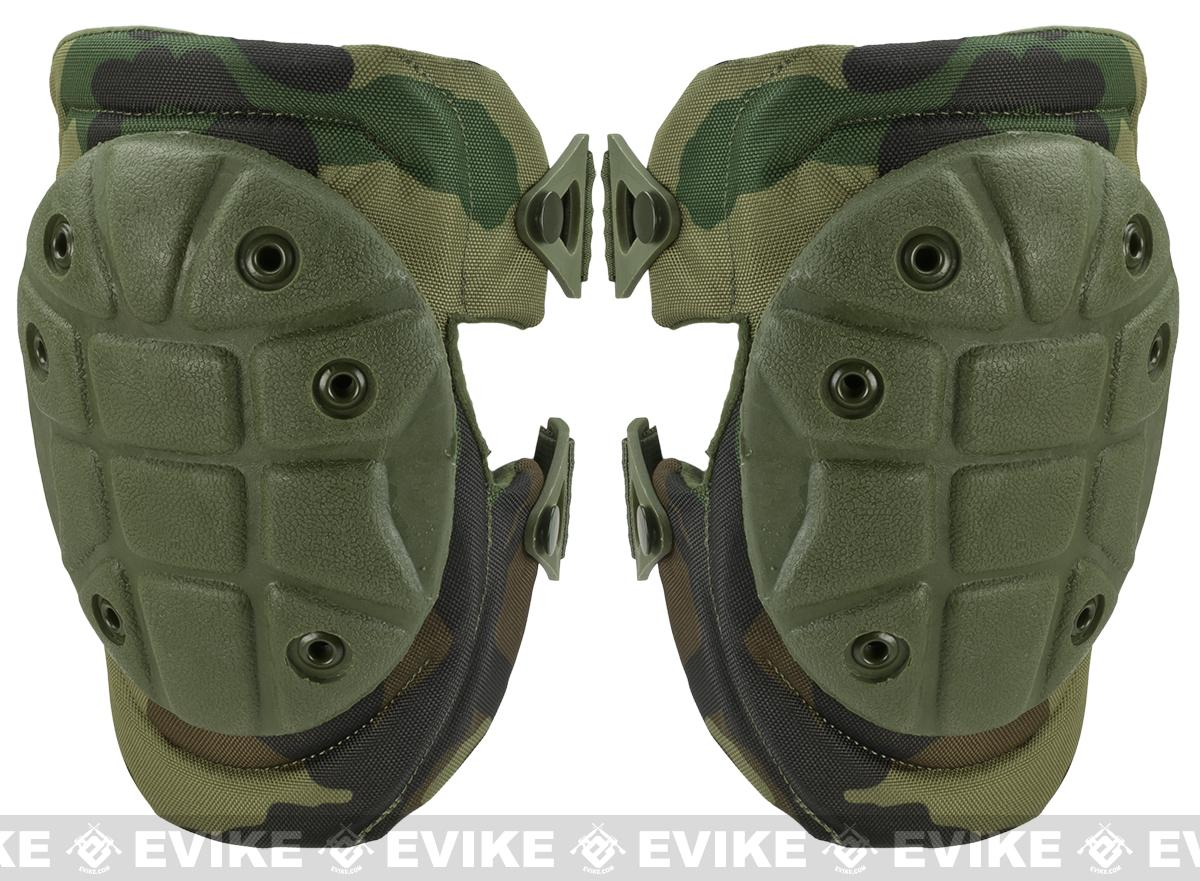 z Matrix Warrior Advanced Tactical QD Knee Pads (Color: Woodland Camo)