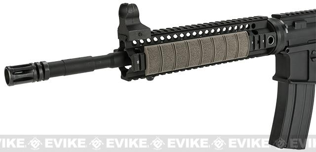 Magpul XT™ Rail Panel 1913 Picatinny Low Profile Rail Cover (Color: Dark Earth)