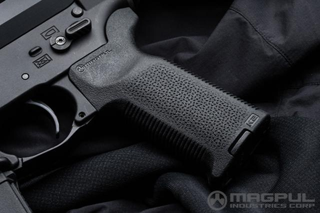 Magpul MOE-K2 Pistol Grip for M4 / M16 Series Rifles - Dark Earth