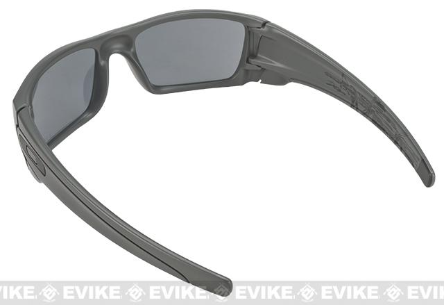 Oakley James Dietz Collection Fuel Cell - Dark Grey with Grey Lenses